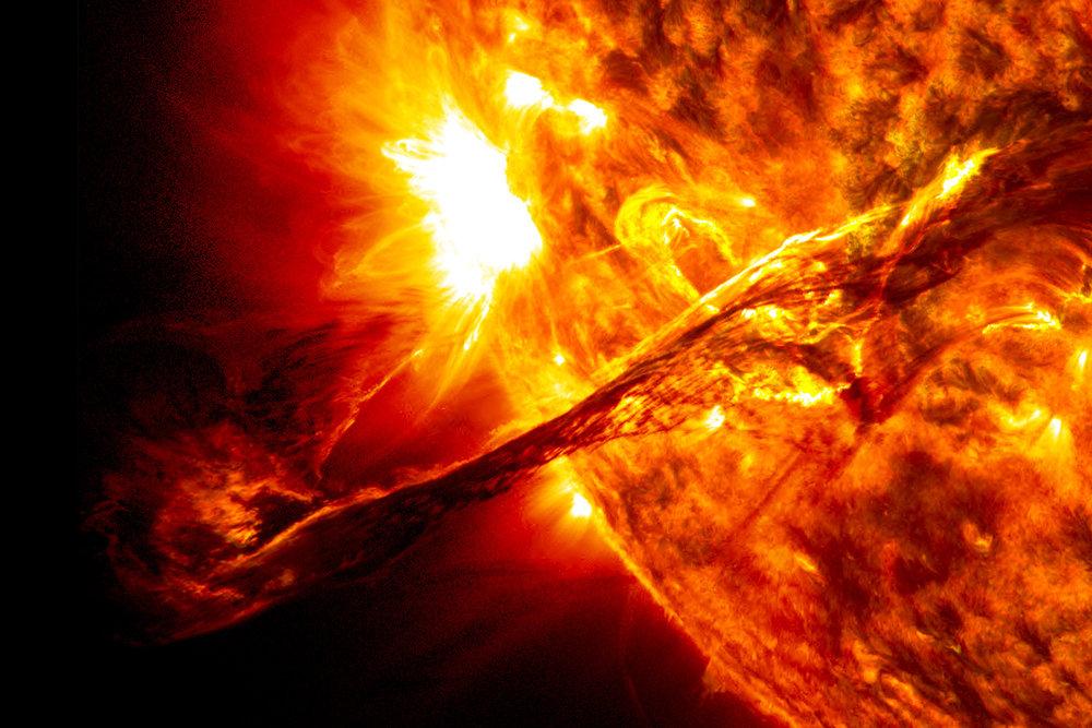 solar-flare-magnet-header-nasa.jpg