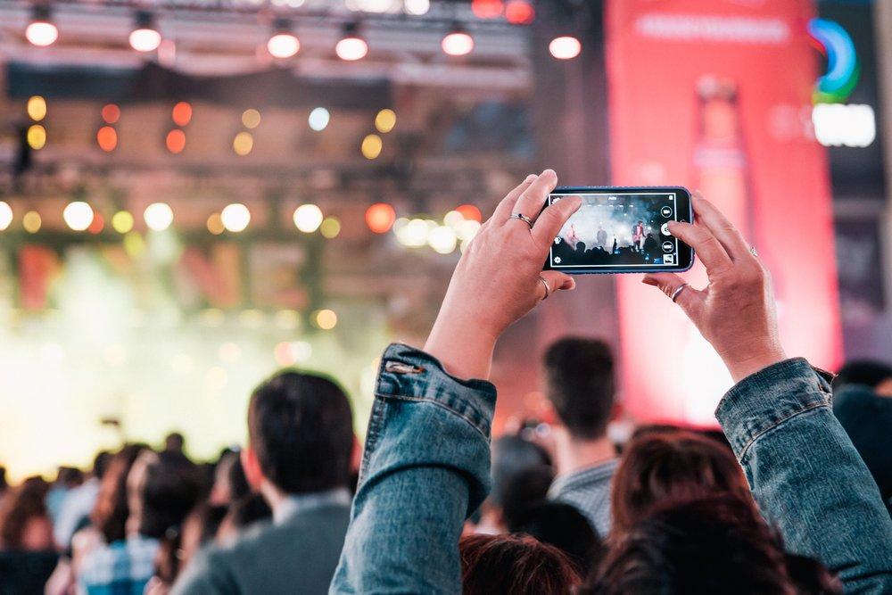 rock-concert-crowd_4460x4460.jpg
