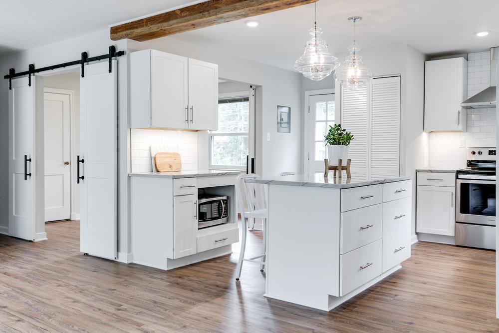 1406 Coronet Drive Kitchen (1 of 40).jpg