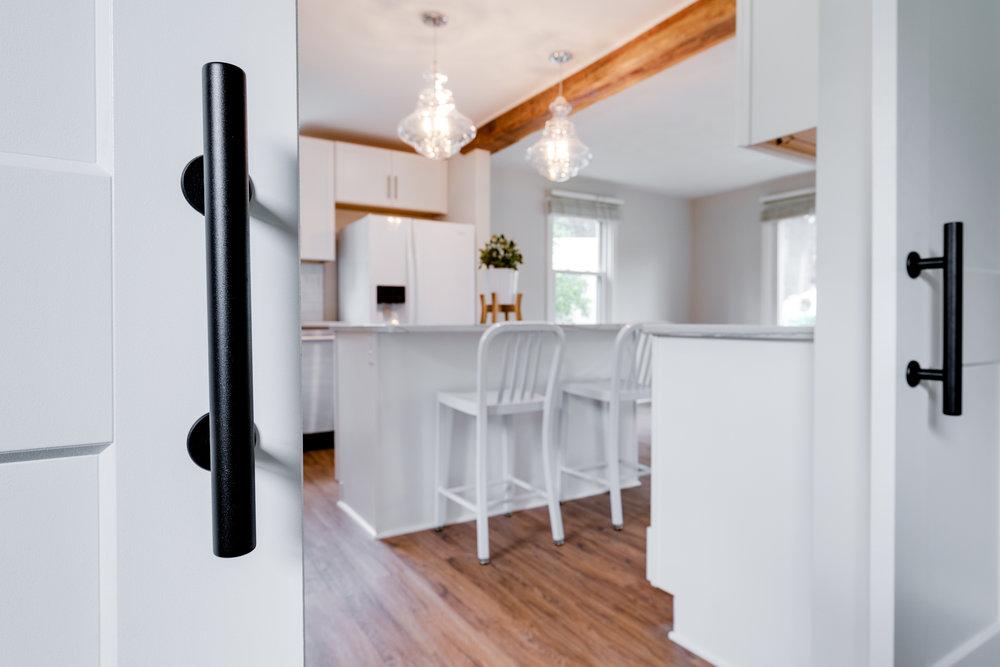 1406 Coronet Drive Kitchen (25 of 40).jpg