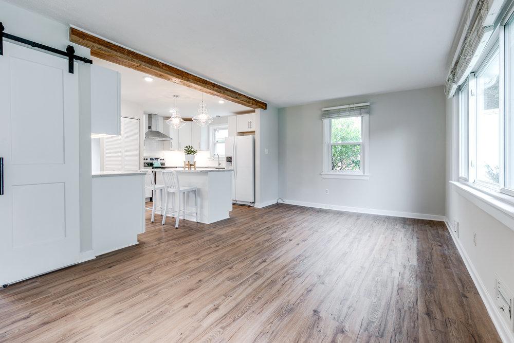 1406 Coronet Drive Kitchen (31 of 40).jpg