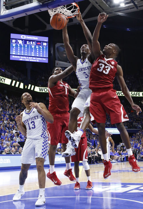 Kentucky forward Bam Adebayo dunks the ball. Jan. 7, 2017, at Rupp Arena in Lexington, Kentucky. (The Kentucky Kernel)