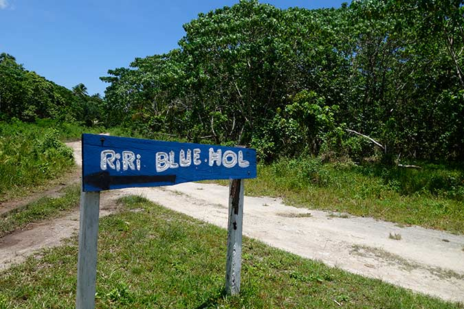 RIRI_BLUEHOLE--5_600X450.jpg