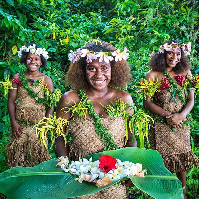 A smile is the universal welcome 🌏 Thanks 📷@davidkirklandphotography . . . . #DiscoverSanto #DiscoverVanuatu #Vanuatu #EspirituSanto #southpacificislands #southpacific #islandsofadventure #DiscoverTorba #southernhospitality #welltraveled #welivetoexplore #welcomehome #melanesia #pacificparadise #pacificislands #travelphotography
