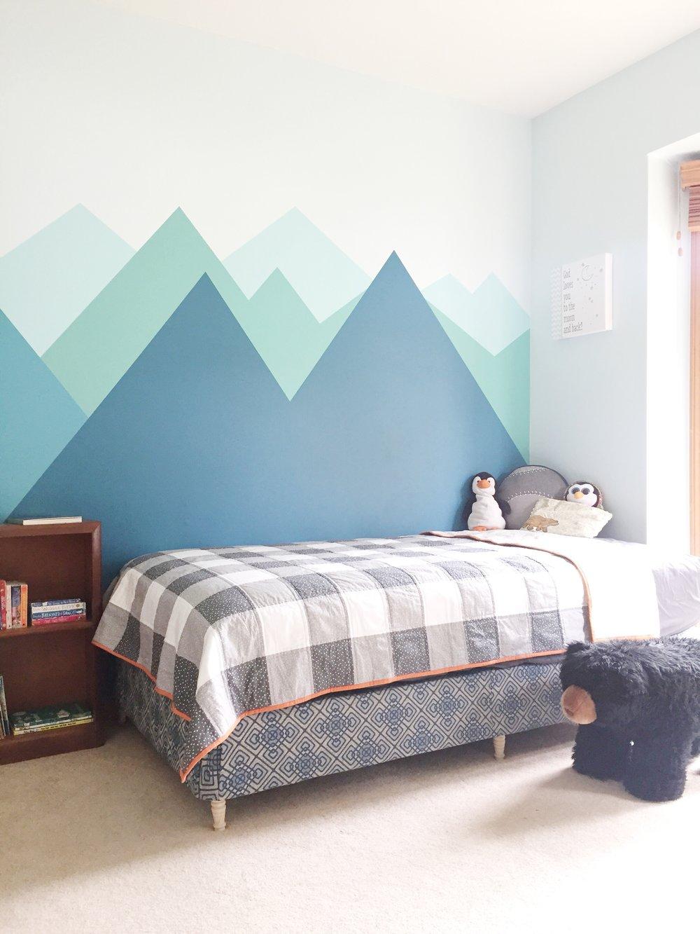 mountains boys bedroom.jpg