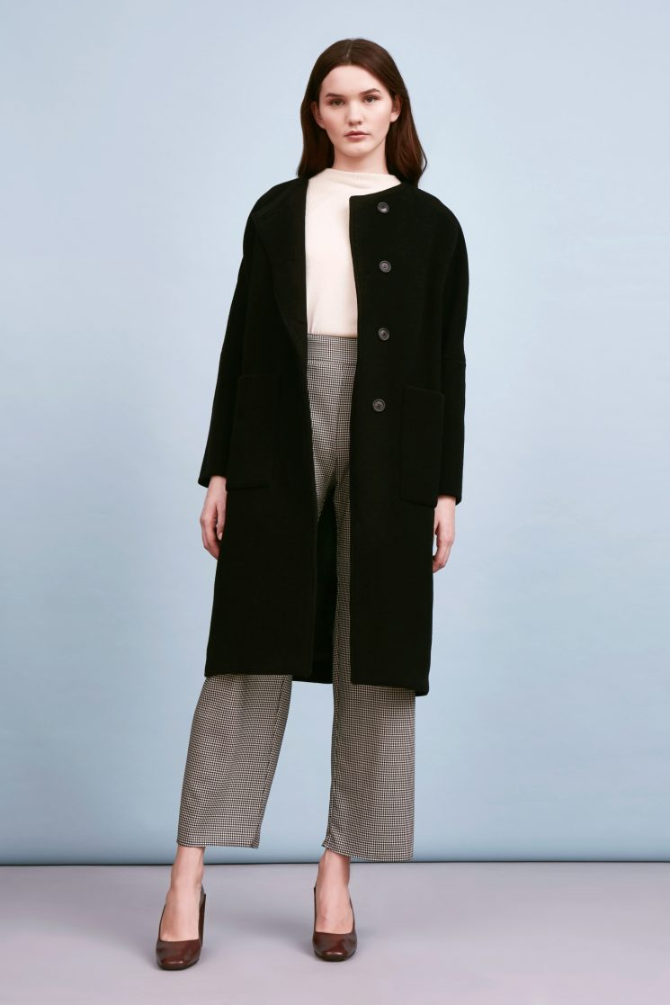 9. Layering - Auch 2018 bleiben Oversize-Pullis, Jacken, Staubmäntel und Kimonos, die bis unter das Knie reichen Trend.(JEEIJ – Oversize Back Belt Coat)