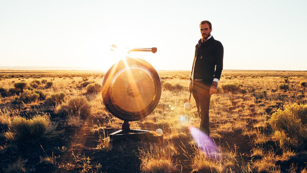 Sound Healing with Leo Cosendai -