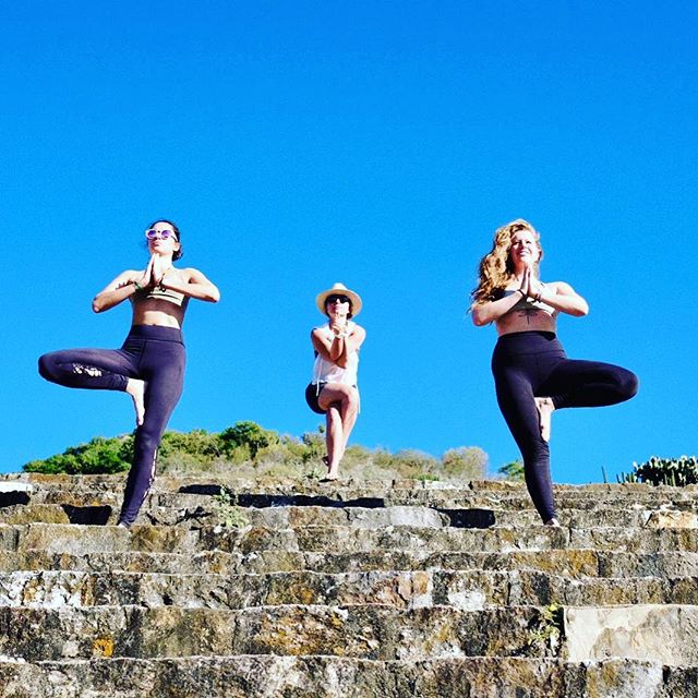 Yoga in secret places, Restival Oaxaca. . . . #yoga #yogaposes #yogatemple #yogaeverydamnday #newyearsretreat