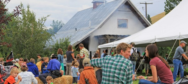 FarmParty_2014_Will-Klaczynski-19-604x270.jpg