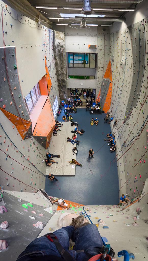 Mooi uitzicht - En gelukkig ook best nog een goeie module van de klimmuur om af en toe op te staan.