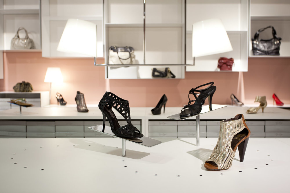 Vince Camuto Outlet Store Design 04.jpg