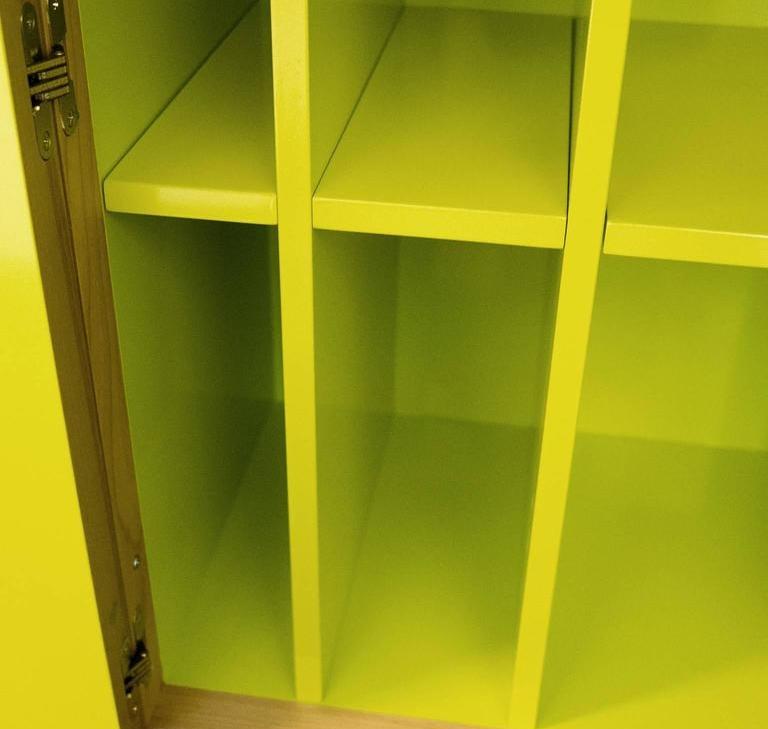 Lungo Bar Cabinet, Interior