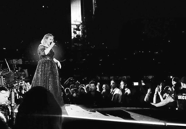 J'adore @adele 🖤 . . . . . . . #karinakusdinar #photographylife #melbournelife #adele2017 #concert #melbourneconcert #adeletour #concert #snapshot #goodnight #melbournecity #blackandwhite #black #white #bnw #bw #blanc #noir #bestnight #spectacular #performance #singer #musician #amazing #loveher #lovelovelove #highlights #concertphotography #magical #memories #mebourneiloveyou