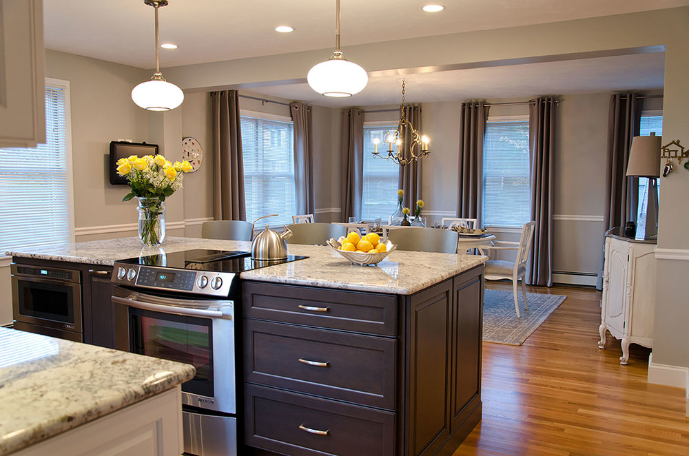 Quicy, MA kitchen interior by Susan Curtis Interiors
