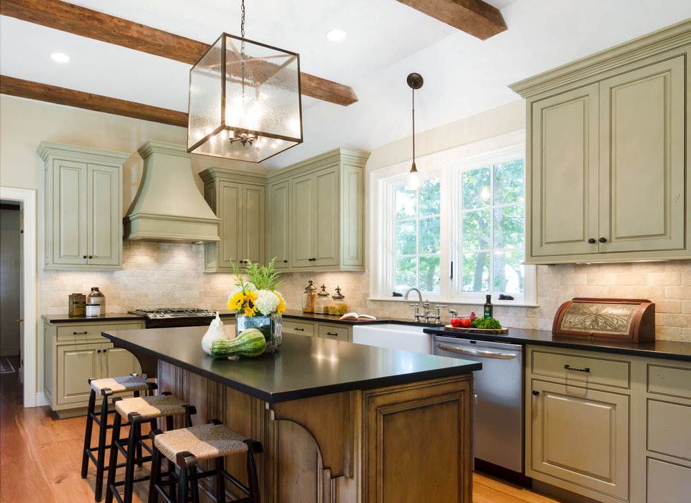 Revitalized kitchen in Duxbury, MA