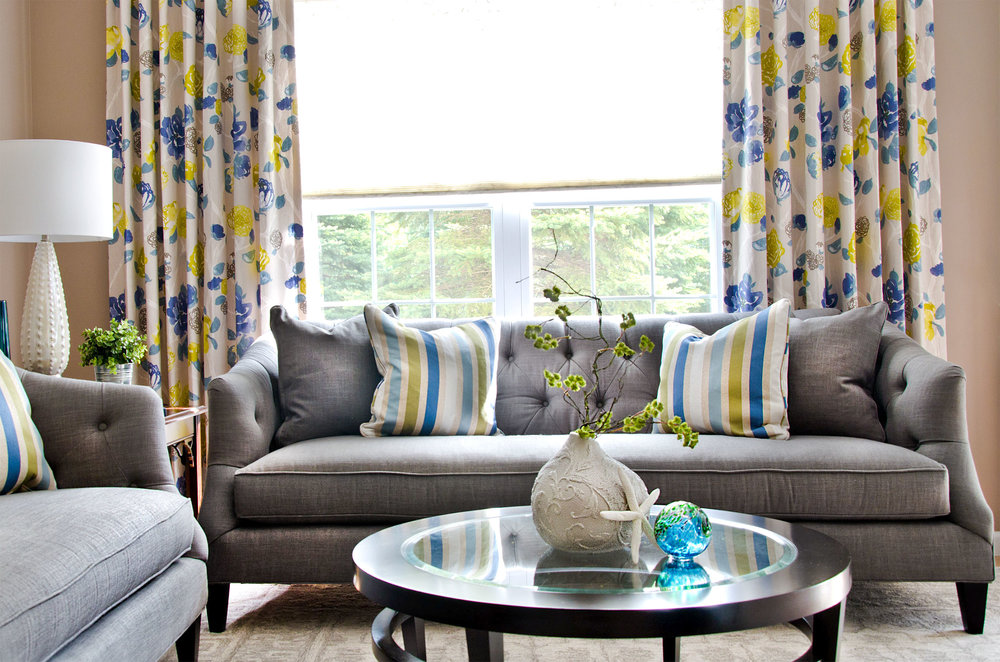 Plymouth, MA livingroom interior by Susan Curtis Interiors