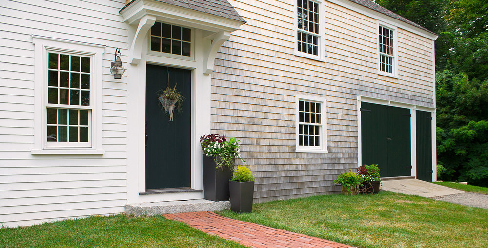 Exterior of a restored 1820 cape in Duxbury, MA
