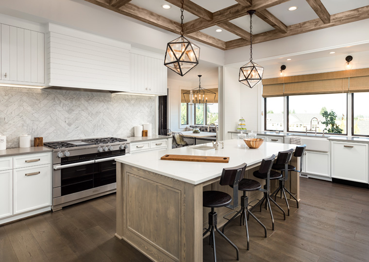 Mixed kitchen interior cabinet finishes