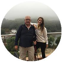 Yasiara ortiz con su padre en el Camino de Santiago