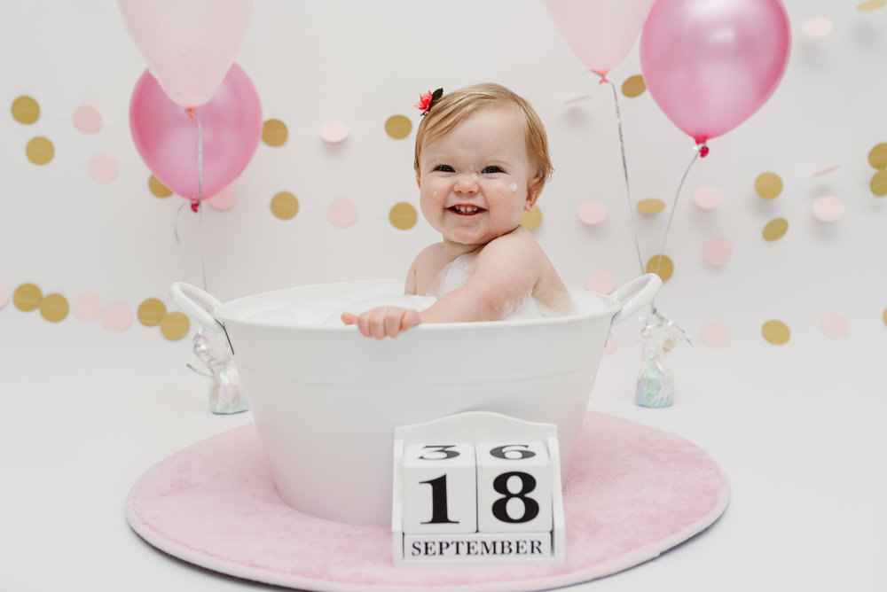 First birthday smash and splash session