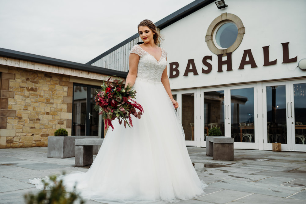Glamerous bride - Bashall Barn Styled Shoot