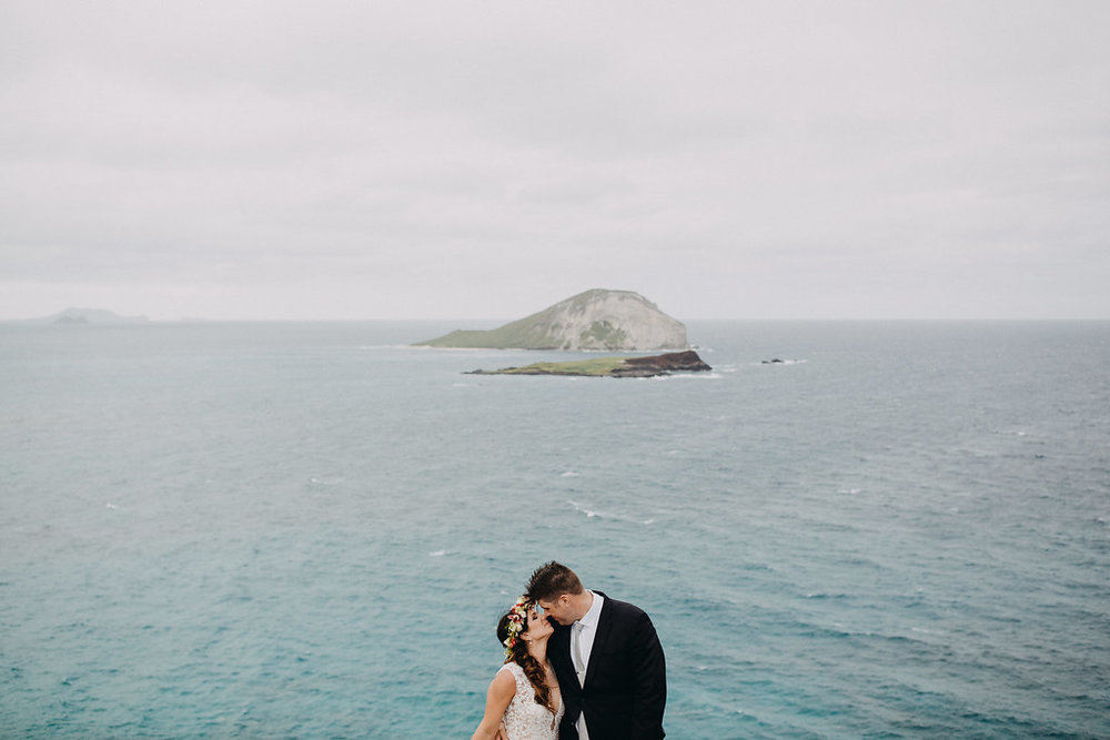Makapu'u Lookout | Bride & Groom Wedding Portraits