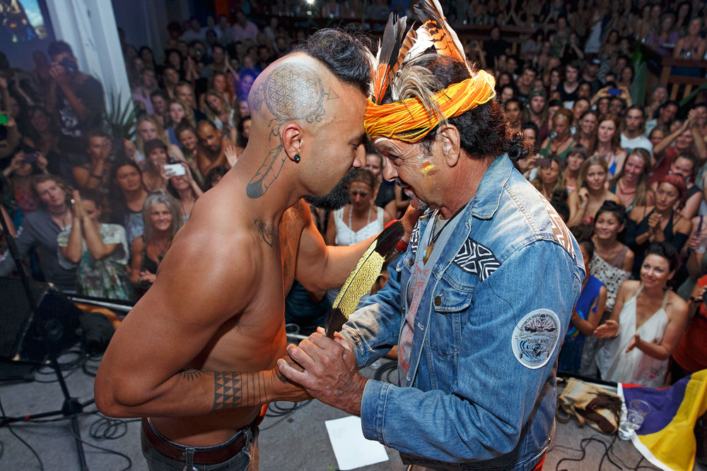 Bunna Lawrie welcoming Nahko at the Bentley Blockade - photo: The Tree Fairy