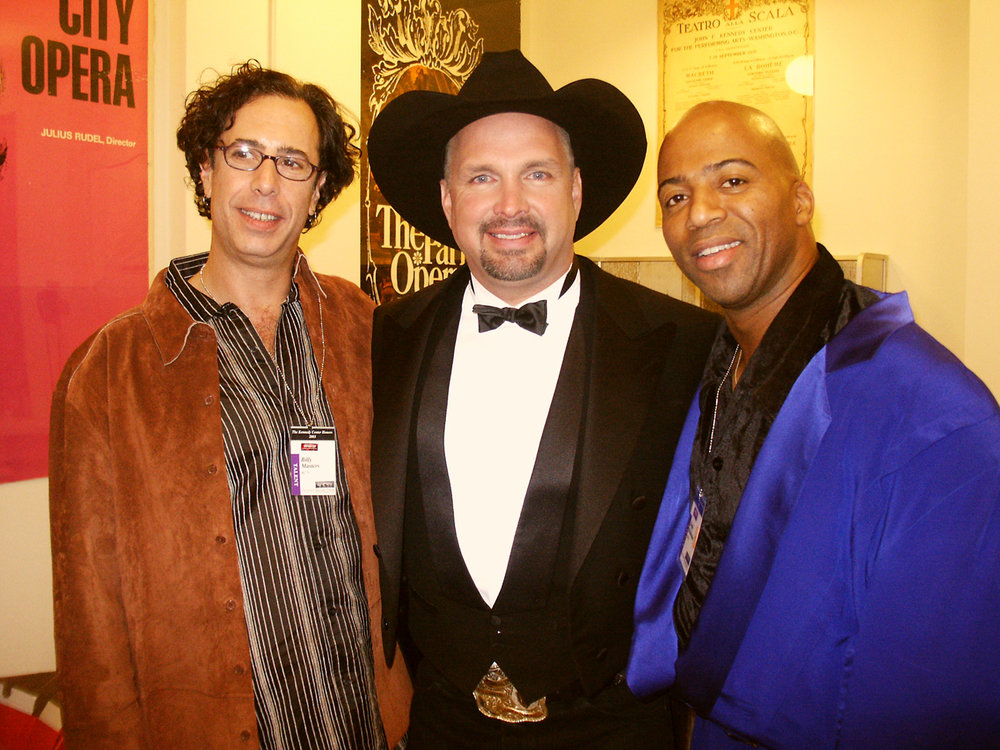 Garth Brooks and Keith Robinson