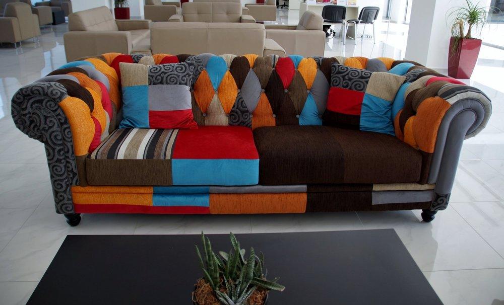 sofa-837019.jpg