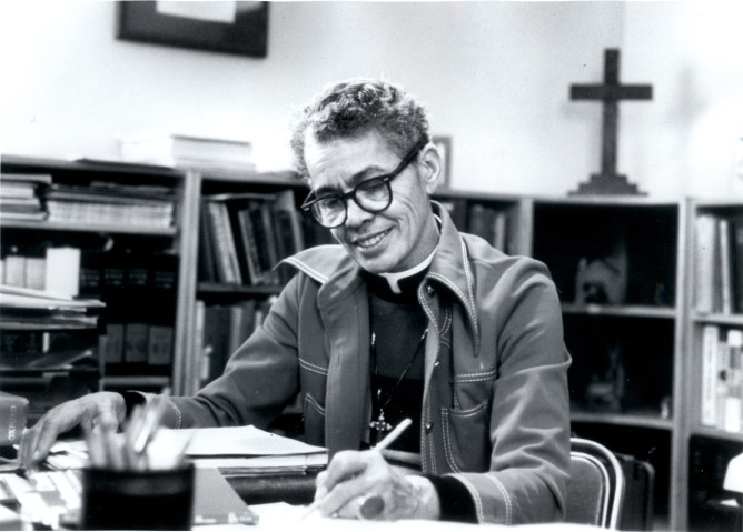 Pauli Murray (Photo: Wikimedia Commons, Carolina Digital Library and Archives – Carolina Digital Library and Archives. UNC University Library).