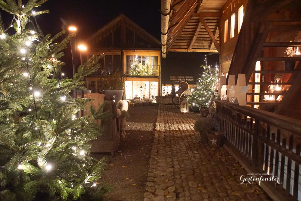 Gartenfenster Abend Weihnachten licht-11.jpg