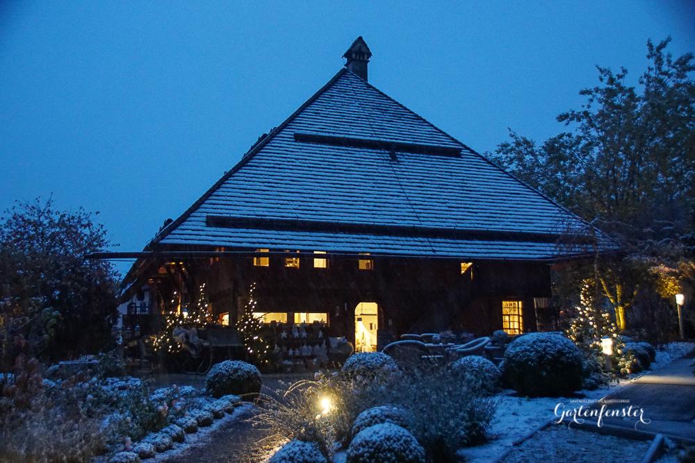 Gartenfenster erster SChnee.jpg