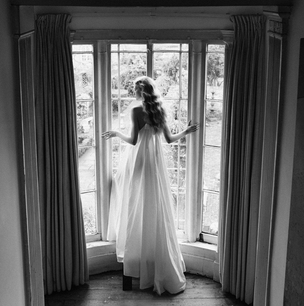 Dress: Lidia Kalita