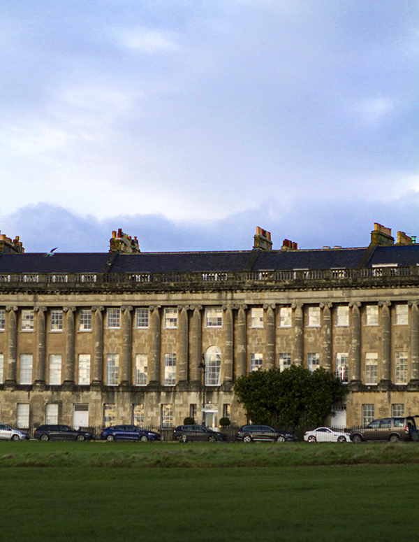 royal-crescent-3-56a4e3a806ccf.jpg