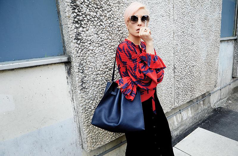 Dress: Hermès  /Bag: Mulberry / Sunglasses: Chloé @ Harvey Nichols / Hoop Earrings: Jane Kønig / Ring: Maria Nilsdotter