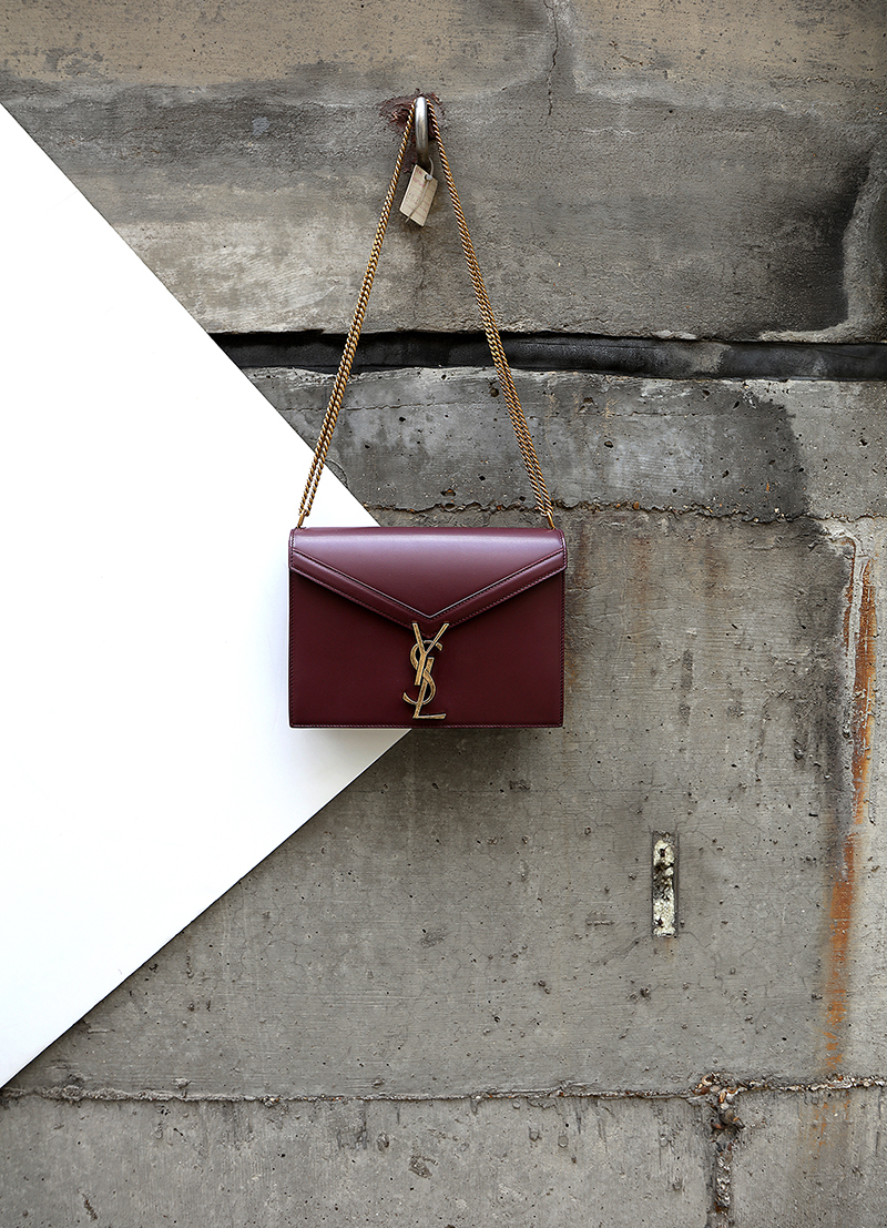 BURGUNDY LEATHER  CASSANDRE  CHAIN BAG
