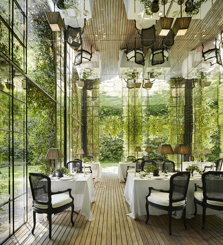Meisters Hotel Irma_Hauptrestaurant 2.jpg