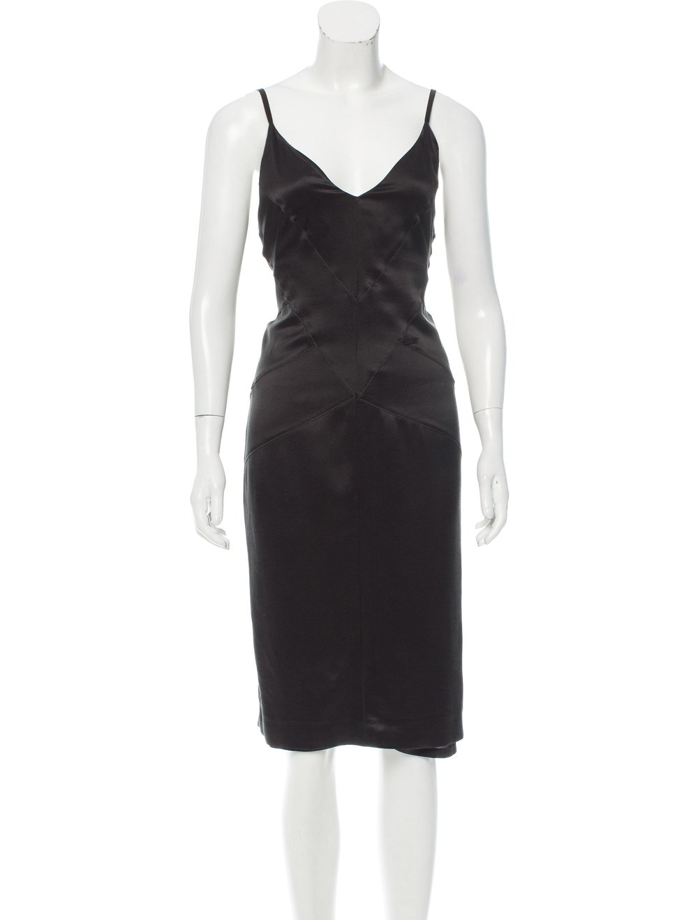 - CHANEL SLEEVELESS SILK DRESSSize: US 8$495.0020% Off Use Code: REAL