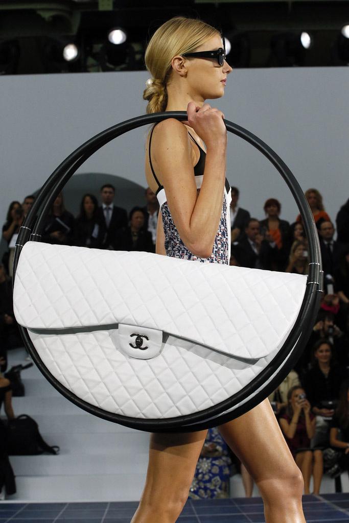 Vogue Spain: Chanel Runway Gallery