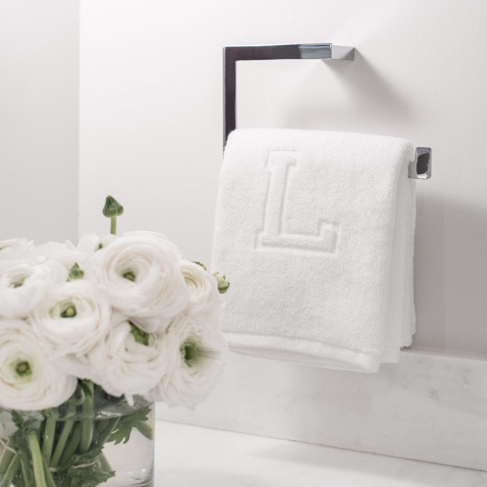 Lauren Bethesda - Bathroom