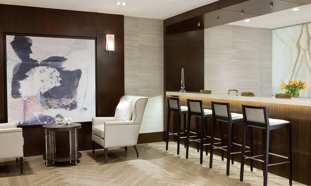 BAR AND SEATING IN THE ONYX LOUNGE