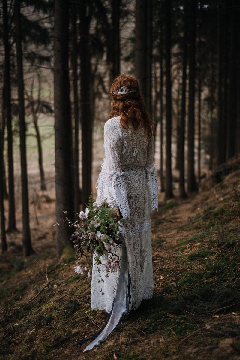 braut_brautstrauss_waldhochzeit_shooting_elopement_ikoflowers_osnabrück_slowflowers_floralart.jpg