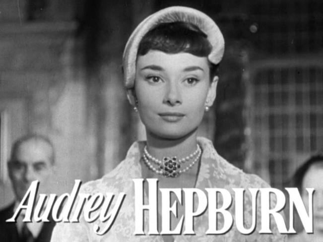 Audrey_Hepburn_in_Roman_Holiday_trailer.jpg