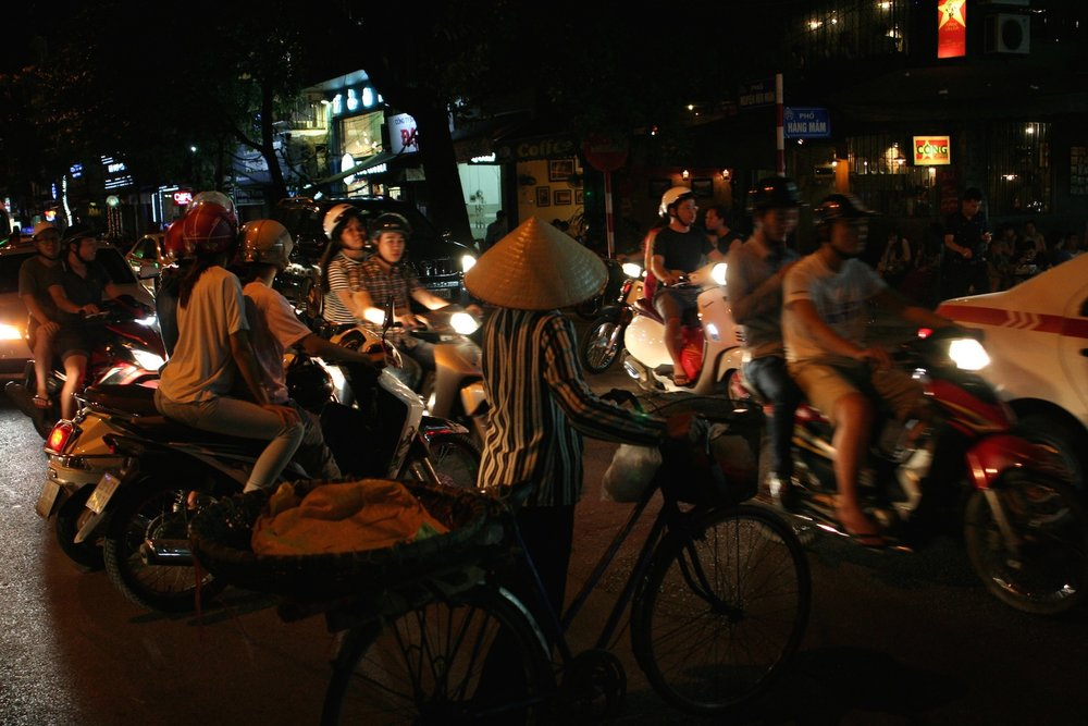 Night traffic, Hanoi