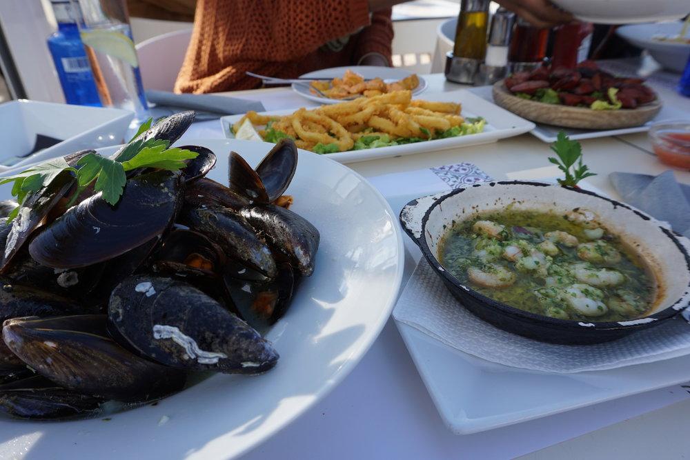 Seafood al fresco at Acqua Bar & Steakhouse