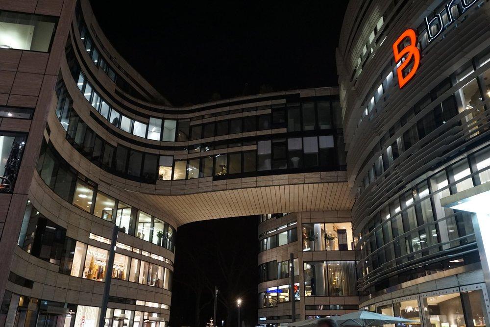 Kö-Bogen building
