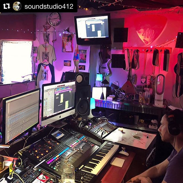 #Repost @soundstudio412 ・・・ @joeyfishbein in the zone at @soundstudio412 for @naughtynalaband this weekend. Great work @joeyfishbein !! #828isgreat #studioporn #newmusic #WNCMusic #AVLMusic #NaughtyNala #Studio412 @steelpenguinrecords @behringer #X32 @mackie_audio @yamahamusicusa #lavalamp @mountainmetalworks @toneluxaudio #Tonelux