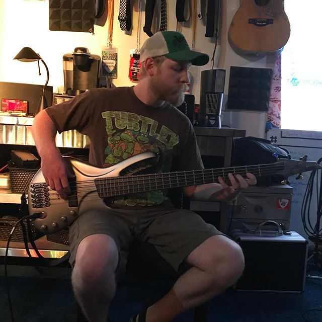 Turtle Power⠀ #TomRocks #Bass #Studio412 #Tracking #BassSolo #StudioPorn #Studio #GotBass? #NaughtyNala #TMNT #TurtlePower @TMNT #SoundYourBest #StudioTime