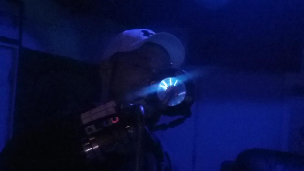 Jeremy Wade   using Plasma Mic