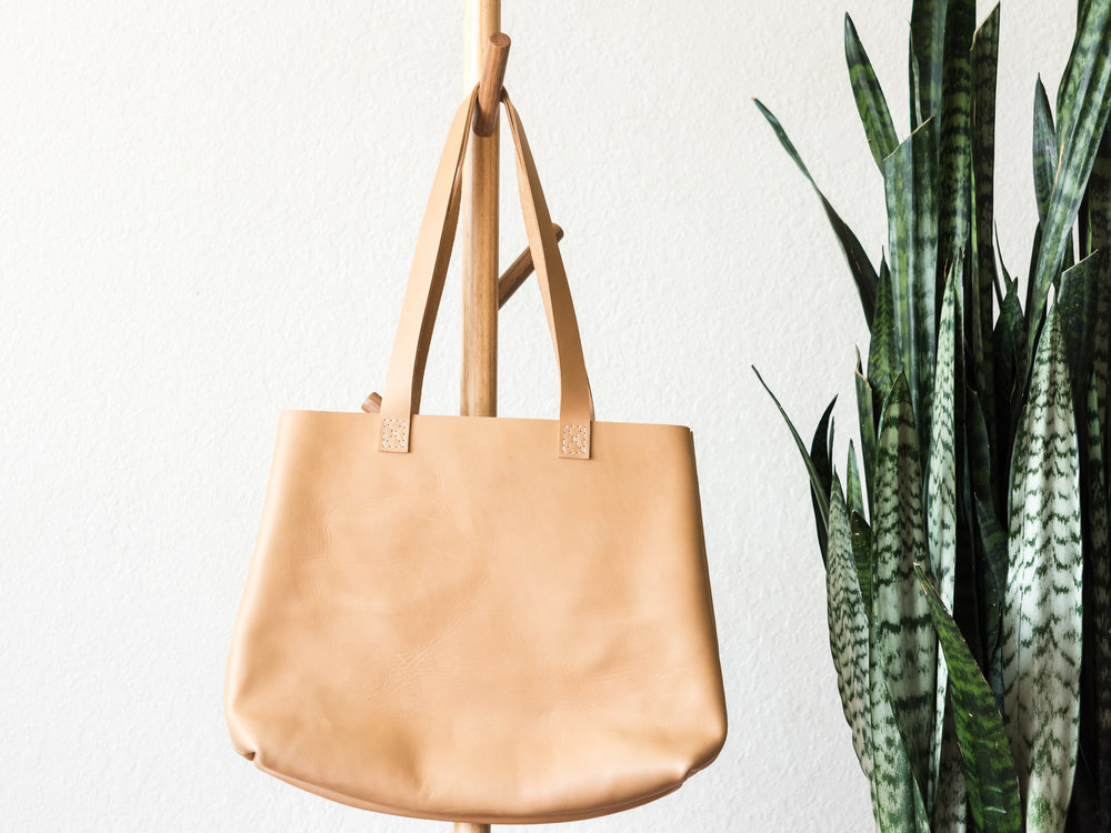 classic tote in natural.jpg